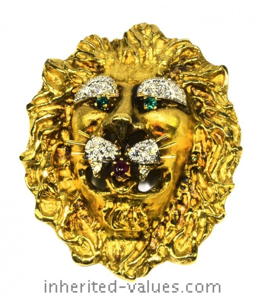 the king's lion pendant
