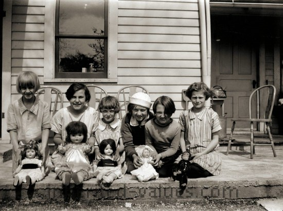 1920s photo girls & dolls