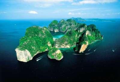 Visita Phi Phi Island e il mare delle Andamane con il Tour Operator InnViaggi. Last Minute e viaggi personalizzati.