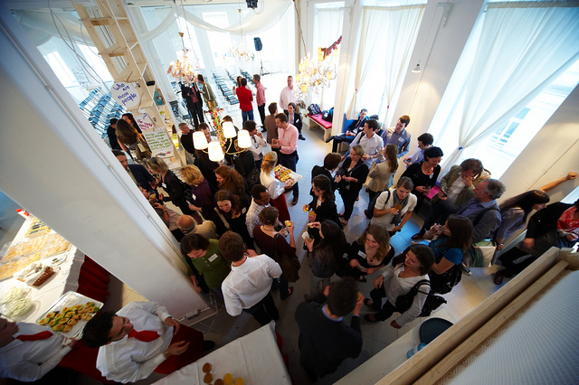 Staging a Business Event via Social Media - Future tech trends and