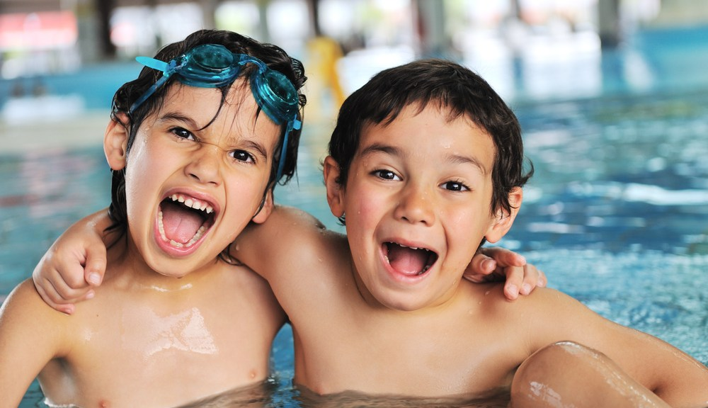kids enjoying Pigeon Forge cabins with indoor pool