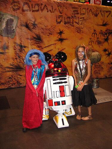 R2-MK Disney droid
