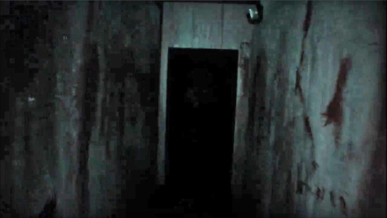 Dark hallway Deluxe Home Design