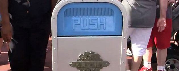 push-trash-can