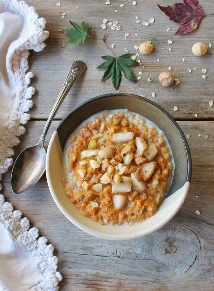 pumpkin oatmeal with macadamia and brown butter