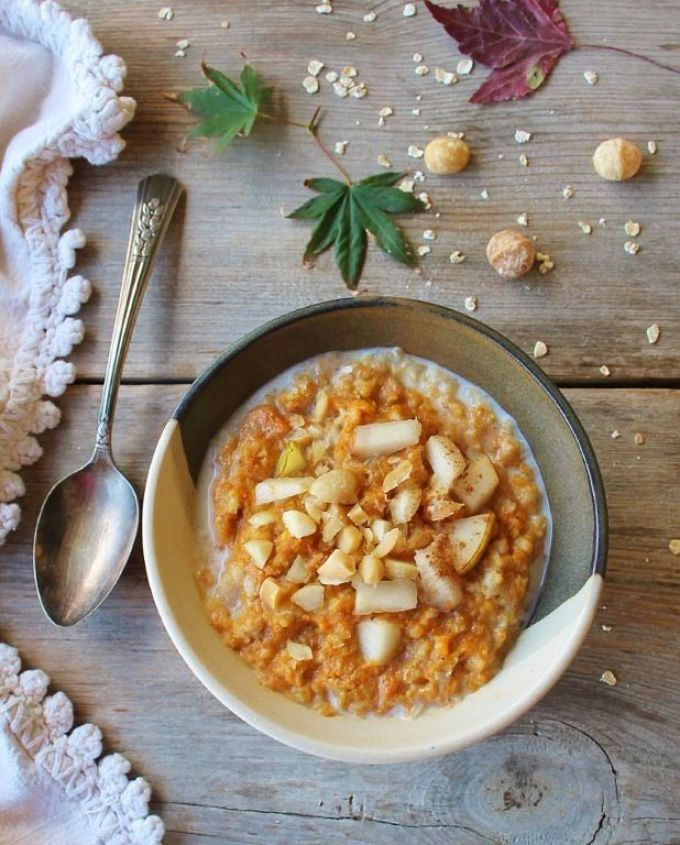 pumpkin oatmeal with salted macadamia in beurre noisette
