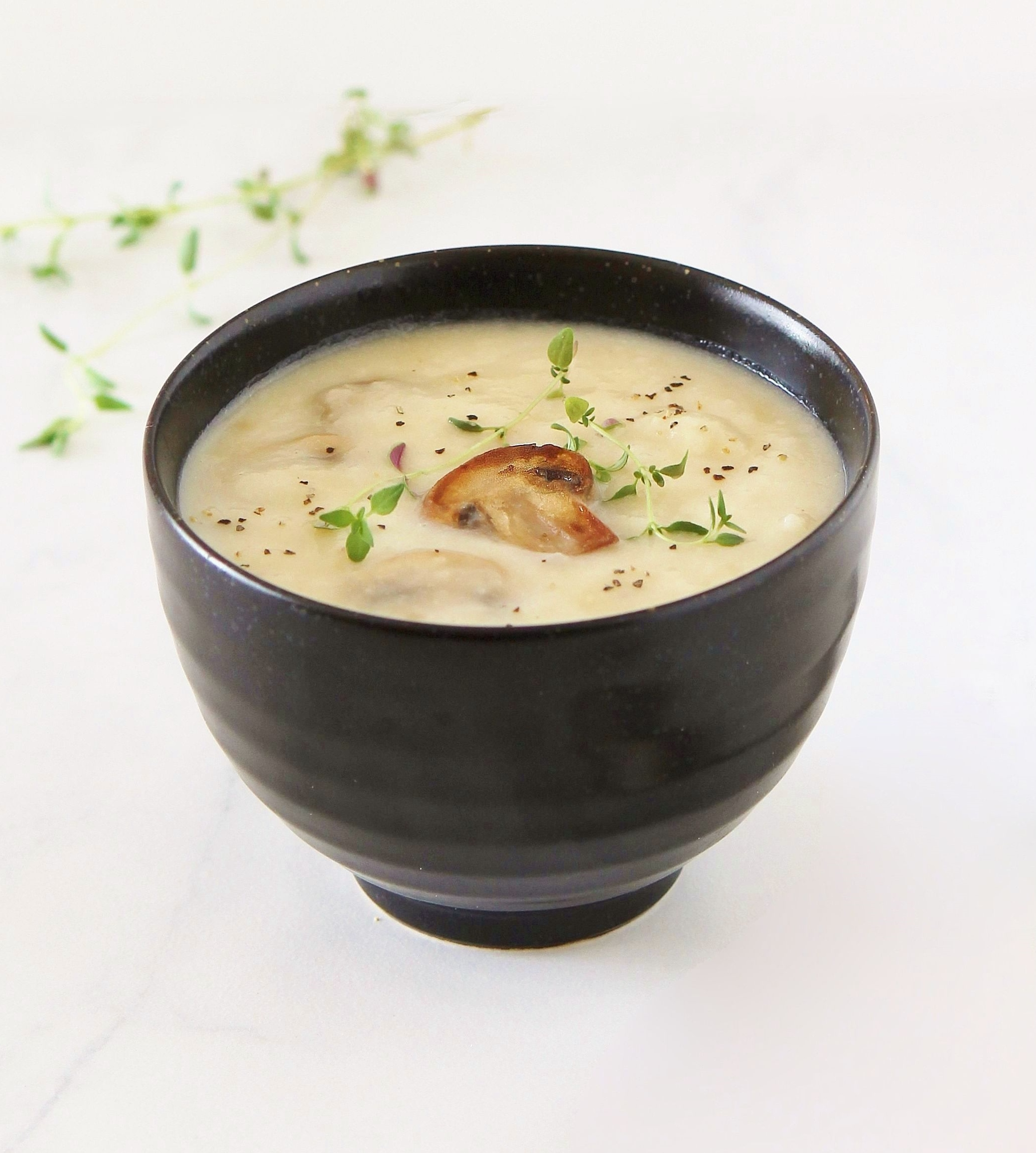 roasted garlic and creamy potato soup with mushroom