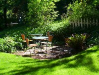 Landscaping Ideas: Front Yard Outdoor Living Areas ...