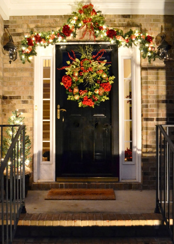 20 Christmas Front Door Decoration Ideas Instaloverz. SaveEnlarge