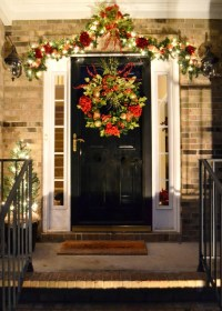 20 Christmas Front Door Decoration Ideas - Instaloverz