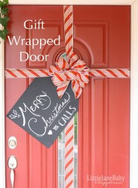 10 Gorgeous DIY Christmas Door Decoration Ideas