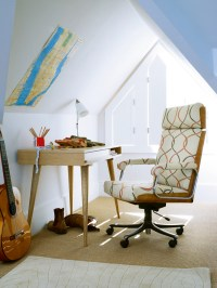 Attic Home Office Design Ideas | InteriorHolic.com