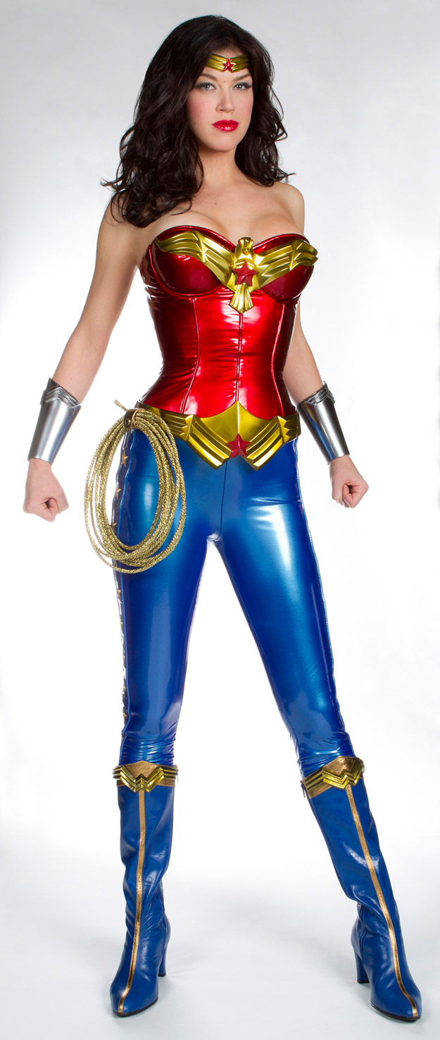 First Look at Adrianne Palicki as Wonder Woman