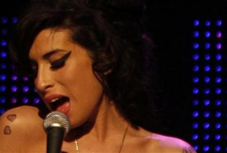 Britain's Rehab singer Amy Winehouse dies aged 27