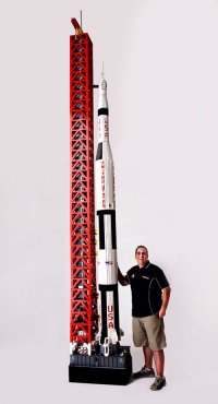 Man Builds Minifig-Scale Saturn V Rocket Out of 120,000 LEGO Bricks