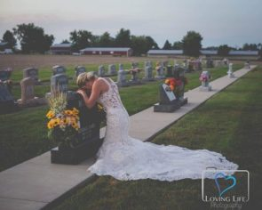 Indiana bride takes wedding photos alone to honor firefighter fiance killed by drunk driver