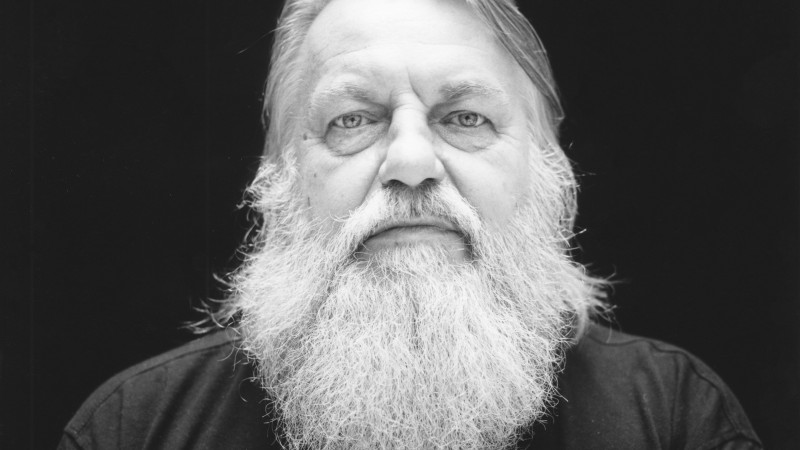 "Robert Wyatt, a biography to share a world: ""I deserved all my bad fate"""