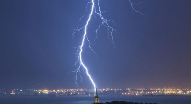lightning-strikes-statue-of-liberty-perfect-timing.jpg