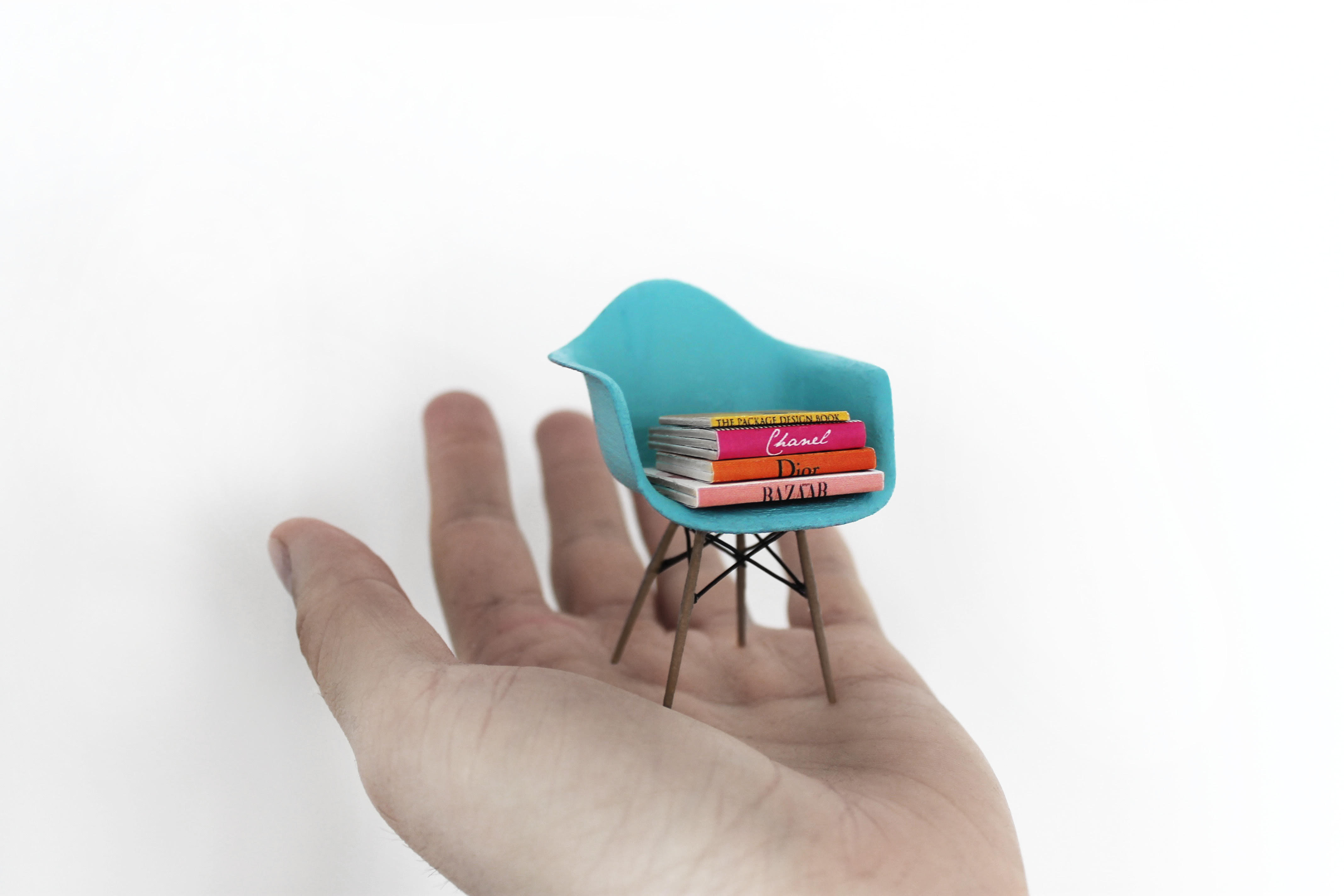 Miniature_Objects_by_Phillip_Nuveen