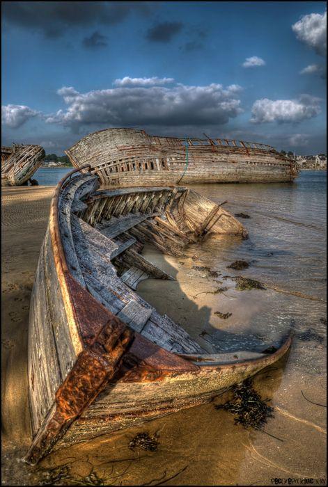 abandoned_ships_at_sea (14)