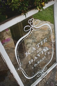 Vintage Finds: Old Windows as Wedding Decor