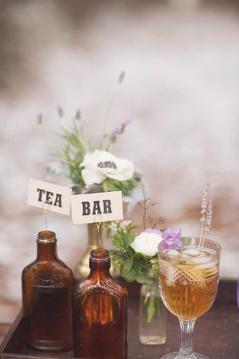 Trà thơm hương hoa quả là lựa chọn để hạn chế thức uống có cồn.