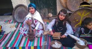 """فتيات شاويات بمناسبة إحتفالية """"تيفسوين ن منعة"""""""