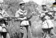"""Soldats ALN de la zone historique I Aurès - Nemamcha. Image issue du livre Appui-feu sur l'Oued Hellaïl disponible sur la bibliothèque amazighe """"Asadlis-Amazigh""""."""
