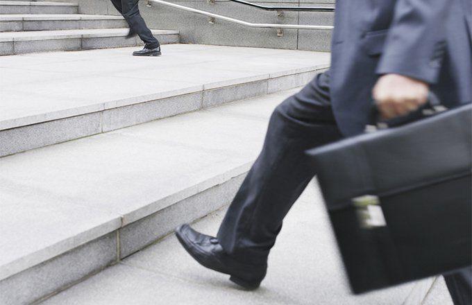 stock analyst job description