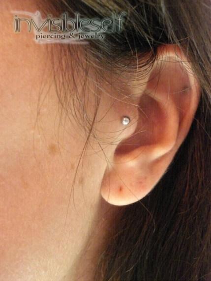 Tragus Piercings INVSELF5