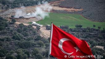 Πυρά πυροβολικού εναντίον της YPG στα σύνορα Συρίας-Τουρκίας
