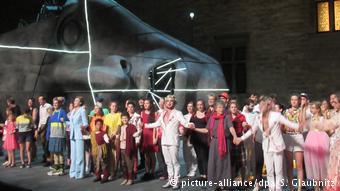 Σκηνή από το έργο Θυέστης στο Φεστιβάλ της Αβινιόν