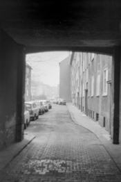 Durchgang |  Magdeburg 1989