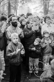 Kundgebung vor der SED Partei-Zentrale in Magdeburg | 11. November 1989
