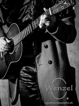 Peppe Voltarelli, der kleine Mann mit der großen rauen Stimme aus Kalabrien