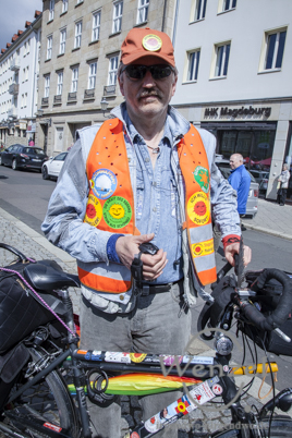 Biker mit politischen Statements - auf dem Weg nach Berlin