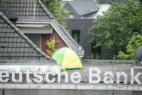 Deutsche Bank beweist echte Leidenschaft - unkomplizierte Lösung einer light-Variante vom Eigenheim