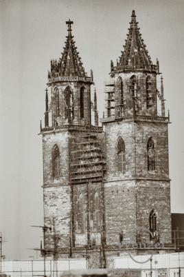 Blick zum Dom (Standpunkt: Dächern am Hasselbachplatz)