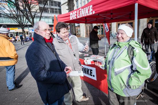 Hans-Joachim Mewes (Die Linke) - Wahlkampfstand Magdeburg