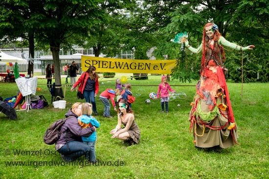 Magdeburg - Stadt mit Kultur - Ekmagadi im Klosterbergegarten