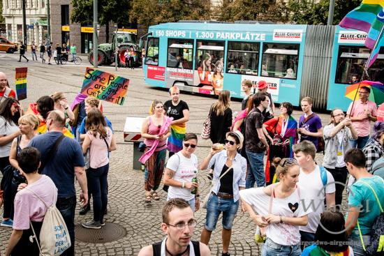 ECOC 2025, European Capitals of Culture, Kulturhauptstadt Magdeburg, Magdeburg 2025, Ottostadt, Christopher-Street-Day, CSD, Parade, CSD Stadtfest, mit.MENSCHLICHKEIT.leben, Lesben, Schwule, Bisexuelle, Transgender, LSBTI, Karola Keutel –  Foto Wenzel-Oschington.de