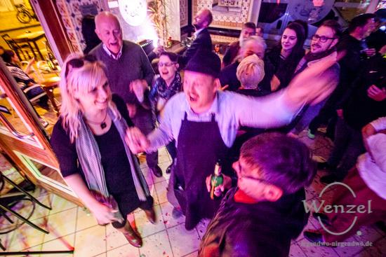 Große Kehraus - Party im Kietz Buckau –  Foto Wenzel-Oschington.de