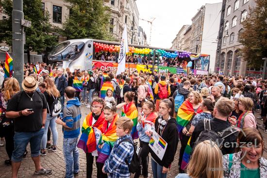 Pausenlos bunt – Magdeburg feiert CSD mit Rekordbeteiligung –  Foto Wenzel-Oschington.de