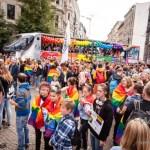 CSD Parade durch Magdeburg – Pausenlos bunt