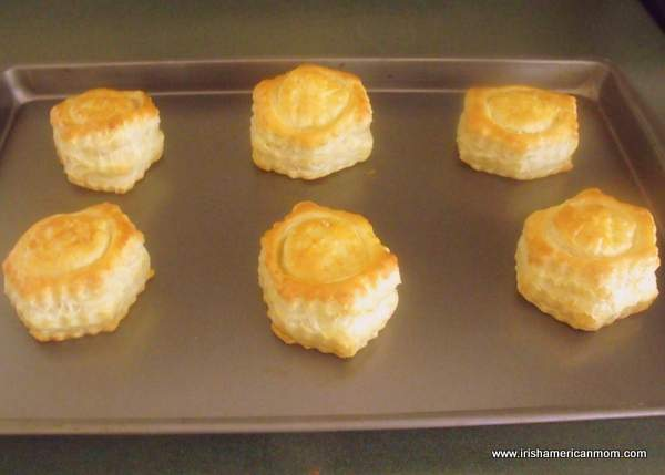 Cooked puff pastry shells