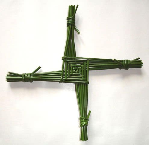 http://en.wikipedia.org/wiki/File:Saint_Brigid%27s_cross.jpg