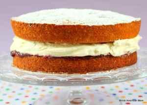 jam-and-cream-sponge-cake-using-an-english-or-irish-traditional-recipe