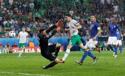 Euro 2016: Rep of Ireland 1, Italy 0