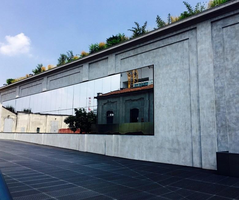Fondazione Prada cortile specchiato