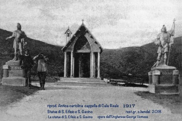 L'immagine più antica della cappella e delle statue.